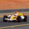 ルノーがドバイでロードショーを開催 (2009 F1)  (c)RenaultF1