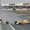 デモ走行中、FIAの役員モハメッド・ベン・サラヤムがクラッシュ。幸いケガはなかった模様 (2009 F1)