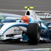 GP2オフィシャルカラーのマシンに乗り込む  (c)Brawn GP