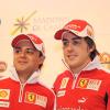 メディアイベントに登場したアロンソ&マッサ (2010 F1 フェラーリスキーミーティング)  (c)Ferrari