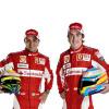 フェラーリ、新たなデザインのレーシングスーツを披露 (2010 F1)  (c)Ferrari